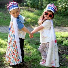 Little ones can be Kings and Queens for the day with these brilliant personalised royal robes. Whizz them up in time for The Queen's birthday celebrations! Queens Birthday Party, Queen Birthday, 90th Birthday, Cath Kidston Home, Hm The Queen, Make Your Own, How To Make, Finger Painting, Needle And Thread
