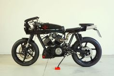 Z Cafe, Moto Cafe, Cafe Racer Motorcycle, Cafe Racer Girl, Bobber Custom, Cafe Racer Magazine, Old Bikes, Style Retro, Scrambler