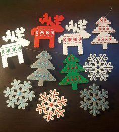 Pony Bead Patterns, Hama Beads Patterns, Beading Patterns, Christmas Feeling, Christmas Crafts, Christmas Decorations, Hama Bead Boards, Hamma Beads Ideas, Xmas Ornaments