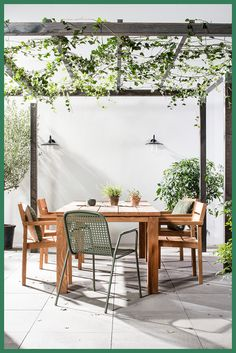 Pergola Terrasse Videos - - Pergola Patio With Swing - Pergola De Madera Adosadas - - Pergola Patio Grill Vinyl Pergola, Wooden Pergola, Outdoor Pergola, Outdoor Spaces, Outdoor Living, Outdoor Decor, Retractable Pergola, Painted Outdoor Furniture, Outdoor Furniture Design