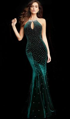 Stunning Dresses, Beautiful Gowns, Designer Evening Gowns, Velvet Gown, Mermaid Evening Dresses, Pageant Dresses, Formal Gowns, Look Fashion, Fashion Ideas