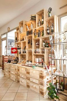Store furniture with pallets and fruit boxes