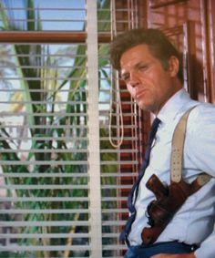 JACK LORD   AS  STEVE McGARRETT  ON  HAWAII FIVE  O   .