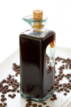 Homemade Coffee Liqueur is a great homemade gift Coffee Liqueur Recipe, Mixed Drinks Alcohol, Christmas Food Gifts, Christmas Crafts, Xmas, Cappuccino Machine, Coffee Machine, Coffee Maker, Winter Drinks