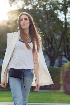 thelfashion.com | small sleek bag