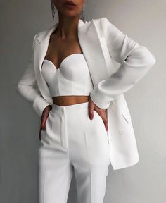 White Outfits, Cute Casual Outfits, Stylish Outfits, White Outfit Party, White Pants Outfit, Stylish Clothes, Suit Fashion, Look Fashion, Fashion Outfits