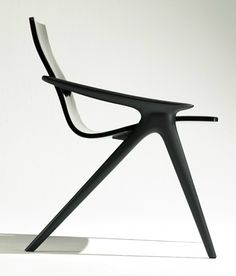 John Niero | Stance chair