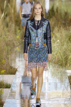 Coach Spring 2016 Ready-to-Wear Fashion Show Be inspired: http://on.amz.az/1IK8LkT #fashionweek #runway
