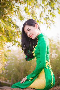 Á hậu Huyền My diện áo dài dịu dàng - VnExpress Giải trí