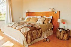 6 estilos para decorar tu cuarto  Una linda cabecera de cama puede ser el toque especial. Foto:Archivo LIVING Comforters, Bedroom Decor, Bedroom Ideas, Design Inspiration, House Design, Blanket, Wood, Furniture, Home Decor