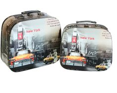 Storage Boxes - New York, New York (Set of 2)   A decorative storage box in the style of travel sized hand luggage, complete with an iconic illustration of new york city. Comes in a set of two boxes, one small and one large.  Small Height : 26cm Width : 29cm Depth : 11cm  Large Height : 30cm Width : 34cm Depth : 14cm