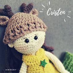 🎁🎁🎁 Cristen is a Christmas Princess 🎄🎄🎄 Amigurumi Toys, Deer, Crochet Hats, Princess, How To Make, Christmas, Handmade, Instagram, Knitting Hats