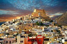 The Venitian City quarter of Ano Syros topped by the Catholic basilica of San Giorgio, Syros #syros