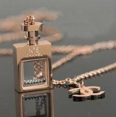 Chanel No 5 perfume bottle necklace Chanel Jewelry, Luxury Jewelry, Jewelery, Fashion Jewelry, Unique Jewelry, Chanel Necklace, Bottle Necklace, Cute Necklace, Chanel No 5