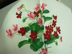 VTG WHITE HEAVY COTTON KITCHEN TABLECLOTH with PINK & RED VIOLET FLOWERS 54x50