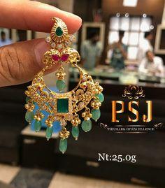 Gold Jhumka Earrings, Jewelry Design Earrings, Gold Earrings Designs, Gold Jewellery Design, Gold Designs, Small Earrings, Bridal Jewellery, Unique Earrings, Designer Jewelry
