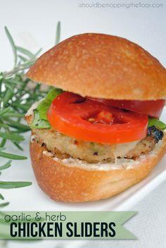 #ad Garlic and Herb Chicken Sliders with ground chicken #CreateAMeal, #cbias
