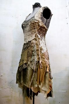 The listener might look good in a dress. Post Apocalyptic Costume, Post Apocalyptic Fashion, Larp, Look Festival, Wasteland Weekend, Modelista, Boho Gypsy, Refashion, Costume Design