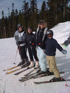 Willamette Pass Ski Resort is only a 10 minute drive from the cabin. They provide rentals, too.