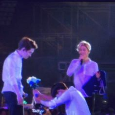 kyungsoo refuse to take things from chanyeol *again* and I can't when chanyeol throw the flower to him.. xD