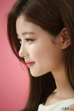 (12/07/2017) Ảnh hậu trường Kim Yoo Jung - 김유정 quay CF MediTouch <3 Bộ ảnh bao gồm 4 concept: Quý cô, Cao bồi, Thiện xạ, Thiếu nữ <3