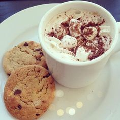 #cookies #hotchocolate #cuddleseason #camillelavie