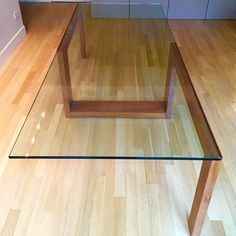Contemporary Glass Top Dining Table - Image 2 of 6 Dinning Room Table Decor, Dinner Tables Furniture, Glass Dinning Table, Glass Top Coffee Table, Modern Dining Table, Dining Tables, Tea Table Design, Wood Table Design, Design Furniture