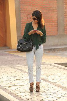 el diario de Pink Chick: La blusa verde transparente