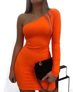Shop Sexy Trending Bodycon Dresses – Chic Me offers the best women's fashion Bodycon Dresses deals Women's Fashion Dresses, Dress Outfits, Fall Outfits, Cute Outfits, Casual Outfits, Dress Casual, Formal Dress, Vestidos Neon, Looks Rihanna