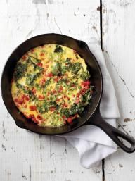 Roasted Red Pepper and Kale Frittata | KitchenDaily.com