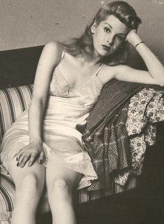 I love vintage slips.  They are so feminine.     Vintage lingerie ♥