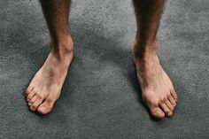 While running on a stress fracture is possible, it is not recommended. Doing so delays healing and leads to further injury. Stress Fracture Ankle, Mode Masculine, Running With Plantar Fasciitis, Plantar Fasciitis Remedies, Barefoot Men, Foot Pain, Heel Pain, Hot Men, Flip Flops