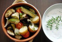 14 nagyon finom ZÖLDSÉGES KÖRET a rántott hús mellé   NOSALTY Caprese Salad, Gluten Free, Chicken, Recipes, Food, Minden, Vegans, Drink, Table