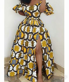 2020 African Print Design: Beautiful Styles To Try Out This Christmas - - 2020 African Print Design Hi Lovely Ladies, Today we are presenting you with African dress styles and like most women want to look smart with Africa outfit s. African Fashion Ankara, Latest African Fashion Dresses, African Style Clothing, African Fashion Designers, African Clothes, African Print Fashion, Clothing Styles, Look Fashion, Fashion Models