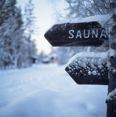 Snow-covered sauna sign Sauna House, Portable Sauna, I Love Snow, Wellness Spa, Snow Scenes, Cabin Plans, Winter Snow, Christmas And New Year, Finland
