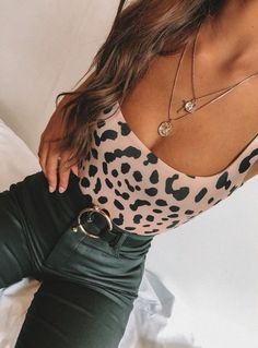 Source by outfit inspirations going out perfect worthy outfits see these 25 breathtaking fall outfits for going out women s style + date outfits via higiggle com falloutfits dateoutfits streetstyle source by higiggle women outfits for going out Trendy Outfits, Fall Outfits, Summer Outfits, Cute Outfits, Fashion Outfits, Fashion Trends, Cute Going Out Outfits, Fashion Tips, Night Outfits