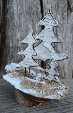 Discover recipes, home ideas, style inspiration and other ideas to try. Christmas Makes, Noel Christmas, Christmas Crafts, Christmas Decorations, Christmas Ornaments, Wire Crafts, Diy And Crafts, Sculptures Sur Fil, Wire Ornaments