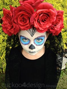 DIY Halloween Sugar Skull Costume – A little black dress paired with some lace, a little face paint and a rose headband is all you need to create this sugar skull costume! #halloween #sugarskull #dressup #costume