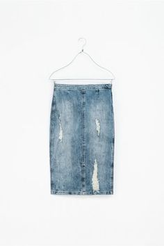 30 zara buys: ripped pencil skirt by zara. Wow so many troga went to Zara they copied their skirts lol
