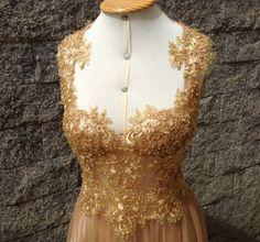 Vestido Dourado, em renda. @hr_fashiondesigner HR Fashion Designer ® Confecção Própria