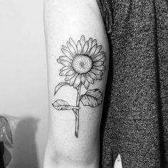 Girassol tattoo (tatuagem, girassol, sunflower, fine line)