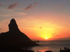 Dicas dos melhores lugares para curtir os inesquecíveis SUNSETS em Fernando de Noronha estão no nosso IG @trip.laugh.love !!!!!!