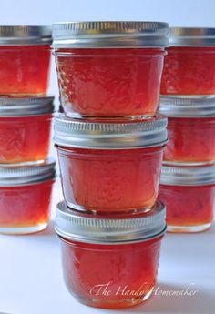 I make red pepper jelly every year to use as an easy and quick appetizer. This recipe is very easy to make even for beginners to the kitchen. This recipe makes twelve 500 ml jars of jelly or twen… Jalapeno Jelly Recipes, Pepper Jelly Recipes, Hot Pepper Jelly Recipe Certo, Muscadine Jelly, Jam Recipes, Canning Recipes, Preserving Recipe, Finger Foods, Recipes