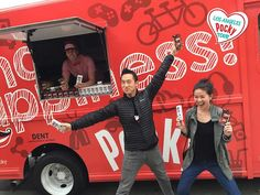 The Pocky Truck Is Giving Out Free Pocky In Wicker Park Right Now