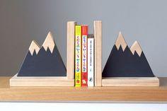 Sujetalibros de pico de la montaña, bosque vivero decoración, sujetalibros moderno, sujetalibros para niños, decoración de pico de la montaña, libro decoración, Kid decoración, estilo de anticuados