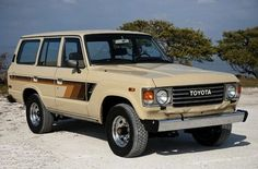 Check this out! A Toyota Land Cruiser! Toyota has come a long way. Best Classic Cars, Classic Cars Online, Fj Cruiser Forum, Toyota For Sale, Toyota Dealers, Offroader, Toyota 4x4, Toyota Fj Cruiser, Cool Cars