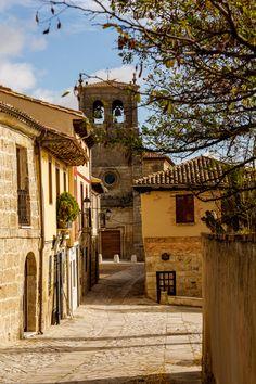 Real de Oriente Street & Santo Domingo Church, Castrojeriz, Castilla y León, Spain