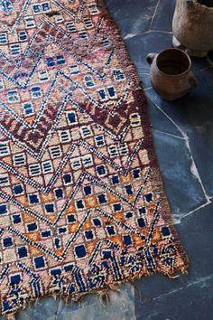 Tigmi Trading + la villa E du studio Ko = tapis berbères et architecture
