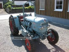 Eicher Tractor Other Search For Flights Rare Pin Badge