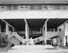 Lovell Beach House - 1926 Los Angeles, Schindler